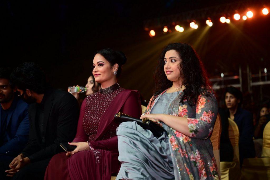 Meena Sagar at SIIMA 2021 photos