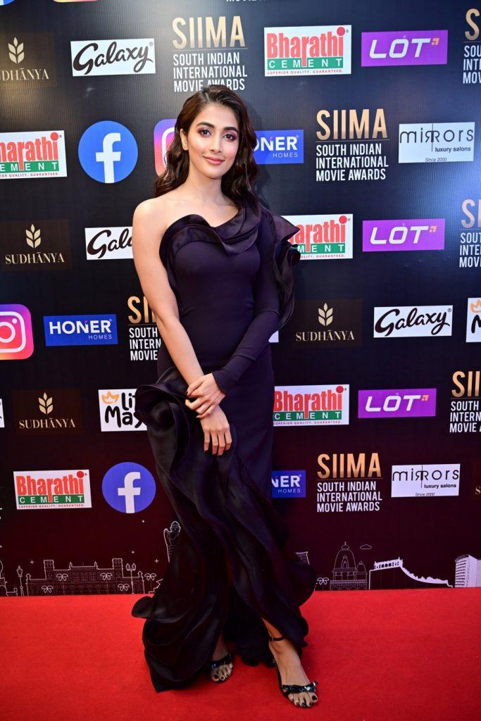 Pooja Hegde at SIIMA 2021 photos