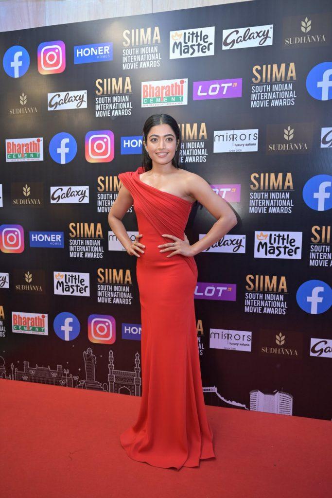 Rashmika Mandanna at SIIMA 2021 photos 1