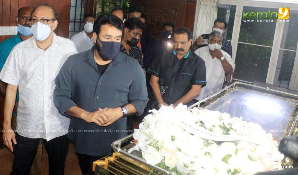 mohanlal at nedumudi venu funeral photos