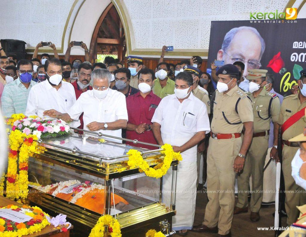 nedumudi venu funeral photos 004