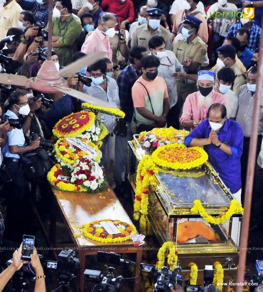 nedumudi venu funeral photos 011