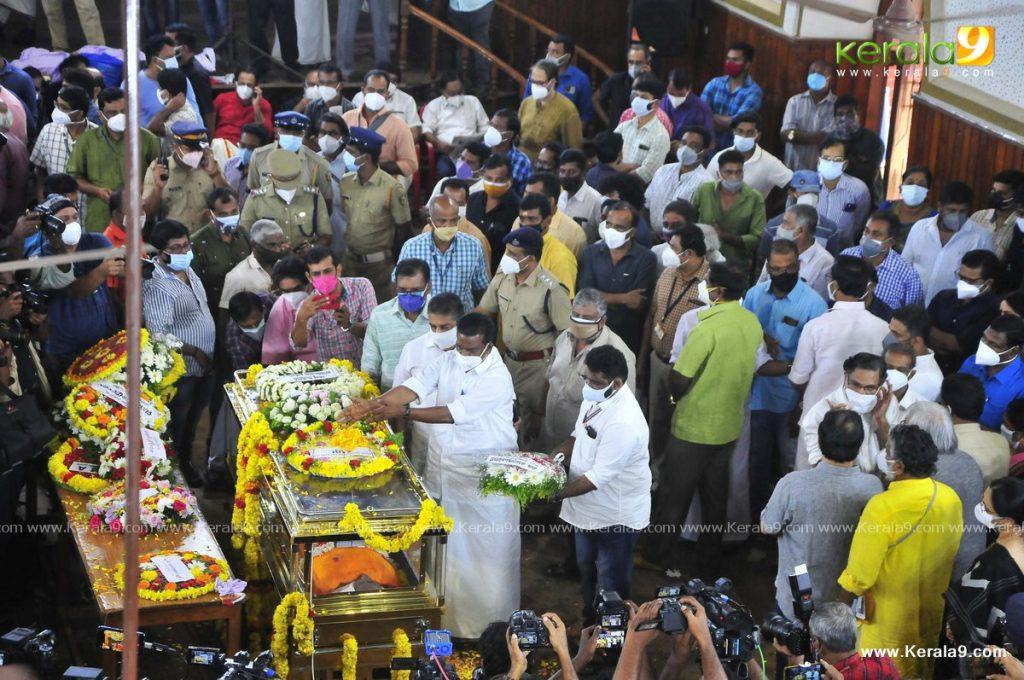 nedumudi venu funeral photos 014