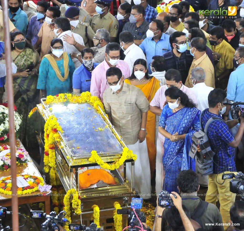 nedumudi venu funeral photos 022