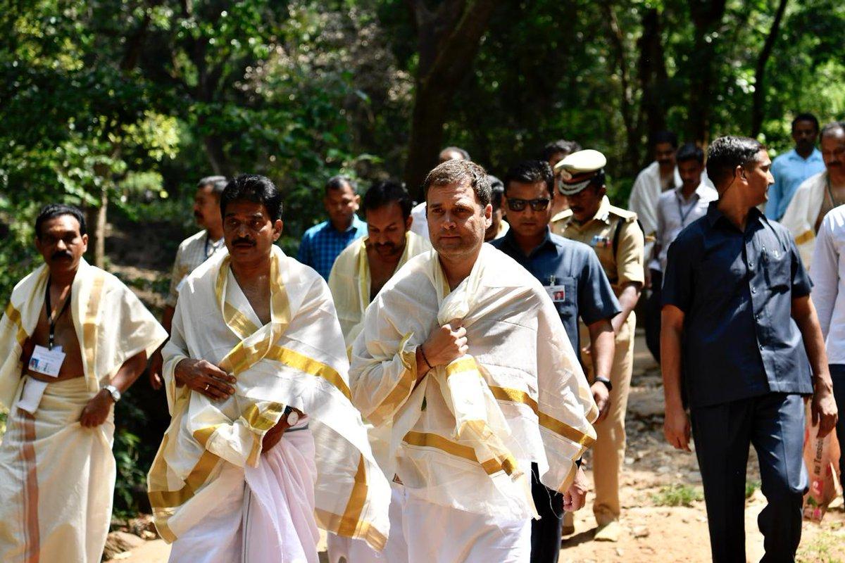 RahulGandhi visits the Thirunelli Temple 001 - Kerala9.com